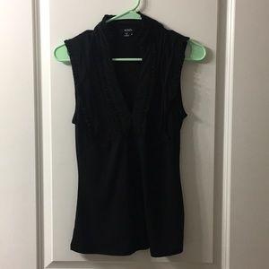 Tops - Black ruffled vneck blouse